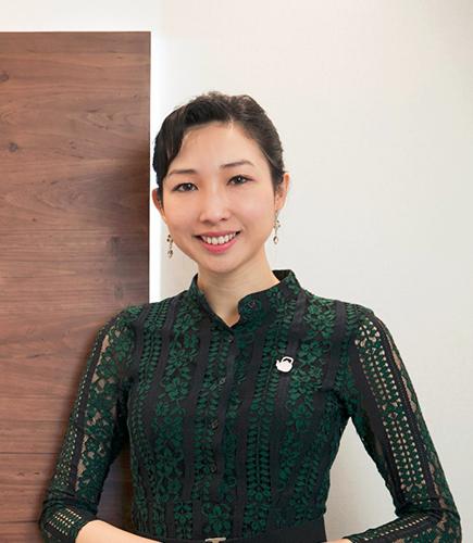 Ms. Leung